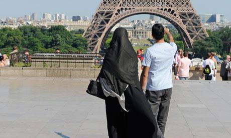 O Hijab Inclui o Cobrimento dos Pés?