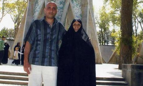 Iranian blogger Sattar Beheshti with his mother