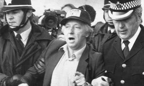 Arthur Scargill being arrested in 1984
