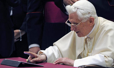 Pope publishes first post on Twitter