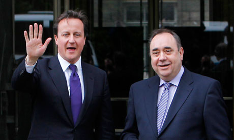 David Cameron next to Scotland's First Minister Alex Salmond in Edinburgh, Scotland