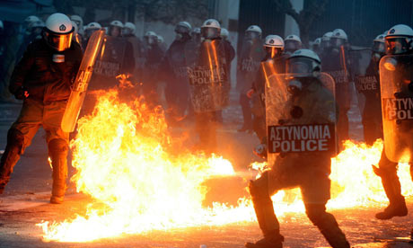 Greece set to defy protesters and accept eurozone bailout deal