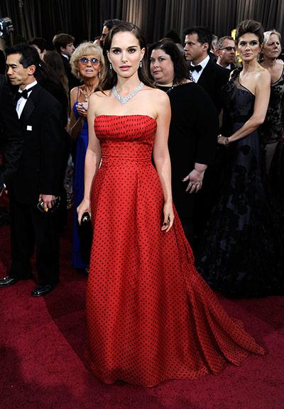 Oscars red carpet: Natalie Portman in Vintage Dior