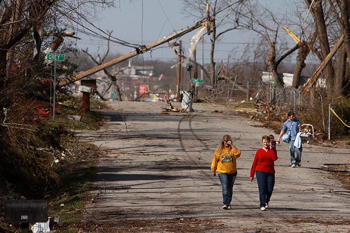 美國中西部遭龍捲風襲擊 - 通天經紀 - tongtianjingji的博客