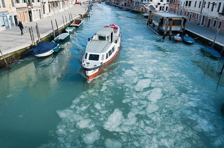 Frozen Venice: a waterbus