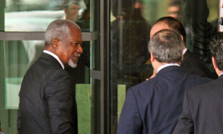 Kofi Annan leaves his hotel in Damascus