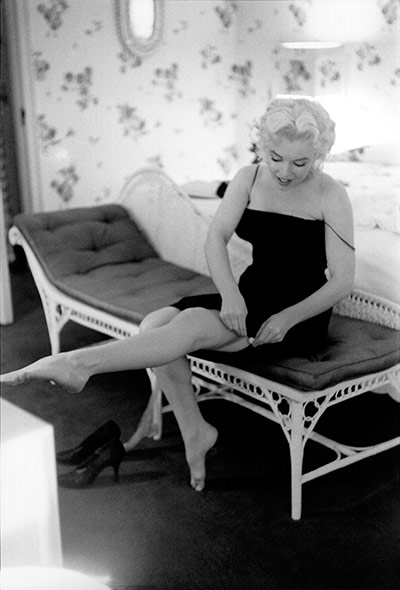 http://static.guim.co.uk/sys-images/Guardian/Pix/pictures/2012/3/15/1331809357768/Marilyn-Monroe-Exhibition-002.jpg