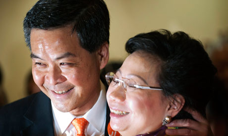 Hong Kong elites heed Beijing, pick Leung leader