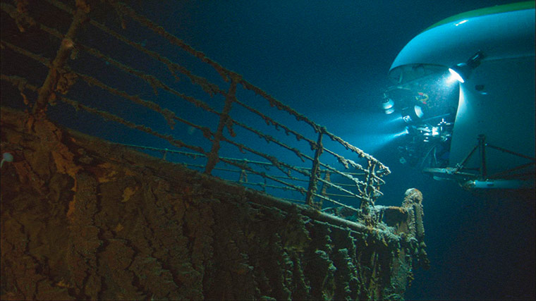 James Cameron Dives Into The Mariana Trench In Pictures Science The Guardian