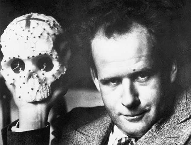 http://static.guim.co.uk/sys-images/Guardian/Pix/pictures/2012/4/11/1334158237244/Sergei-Eisenstein--010.jpg