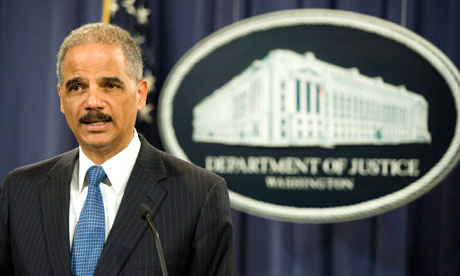 Eric Holder announces antitrust suit against Apple