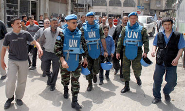 UN ceasefire monitors in Syria tour the Damascus suburbs
