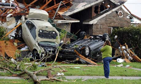 Tornado-wrecked Dallas metro area begins assessing damage (with videos)
