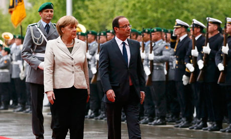 François Hollande arrives in Berlin to meet Angela Merkel