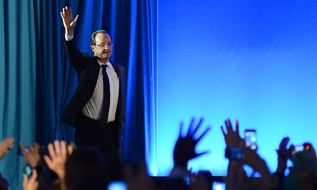 François Hollande waves