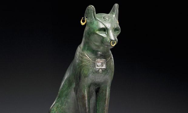 在古埃及,猫是神圣的动物,是家里和野外之间,尘世与超自然之间的使者