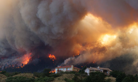 The Waldo Canyon wildfire burns near Colorado Springs