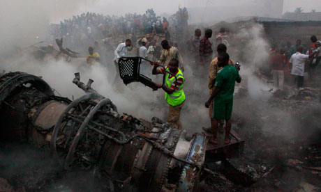 http://static.guim.co.uk/sys-images/Guardian/Pix/pictures/2012/6/3/1338753617484/Nigeria-plane-crash-008.jpg