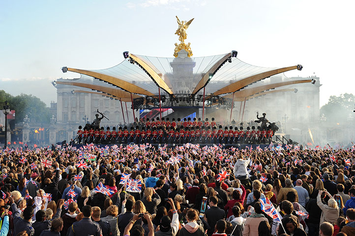 The Queen Entertained By Pop Royalty At Diamond Jubilee