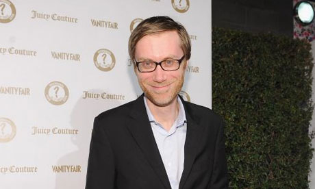 The 42-year old son of father Ron Merchant and mother Jane Elaine Merchant, 201 cm tall Stephen Merchant in 2017 photo