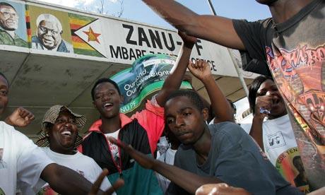 Supporters of Zimbabwe's r