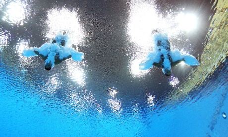 Francesca Dallape and Tania Cagnotto of Italy compete
