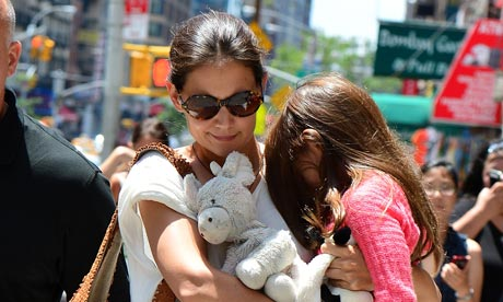 Katie Holmes  Daughter on Katie Holmes And Daughter Suri Cruise Visit Whole Foods In New York