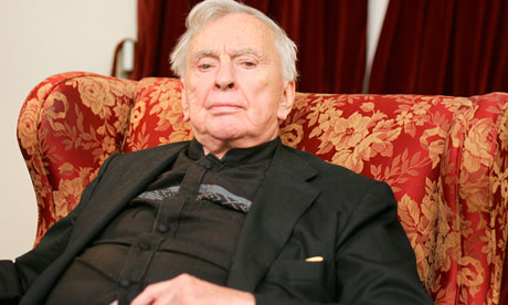 Gore Vidal, The PROLIFIC Writer, dies at 86