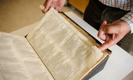 Bodleian's battered Shakespeare First Folio to be put on internet University library starts £20,000 appeal fund to digitise carefully conserved volume still wrapped in original 1623 binding