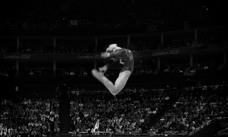 China's Deng Linlin on the beam