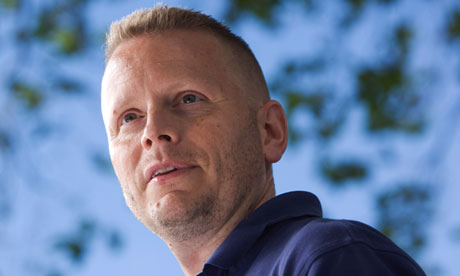 Social media and online comments 'causing writers to self-censor' Comments on Guardian articles often the domain of trolls who don't bother reading past the standfirst, says Patrick Ness