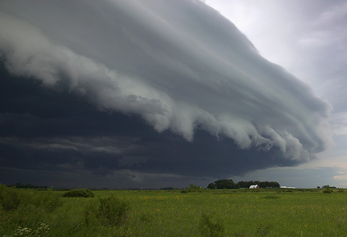 Clouds: Shelf cloud, Minnesota, USA
