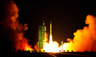 China's Shenzhou VII spacecraft lifts off from Jiuquan satellite launch centre