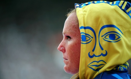 Jennifer Dahlgren of Argentina looks both ways during the Women's Hammer Throw Qualifications. Photograph: Stu Forster/Getty Images