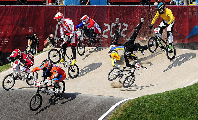 BMX Crash: New Zealand's Kurt Pickard and Ecquador's E.A Falla Buchely crash