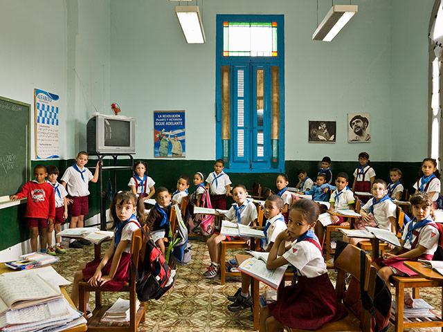 Parakseno.gr : School Escuela Primaria A 009 Σχολικές τάξεις από όλο τον κόσμο! (Φωτογραφικό Υλικό)