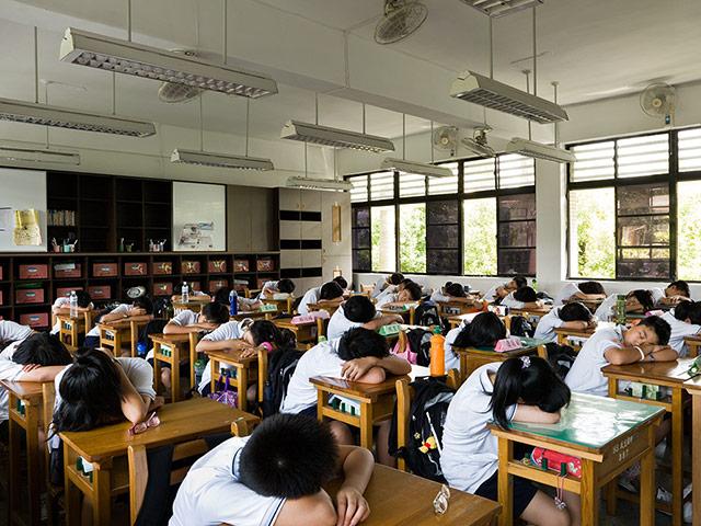 Parakseno.gr : School Min sheng Junior H 012 Σχολικές τάξεις από όλο τον κόσμο! (Φωτογραφικό Υλικό)