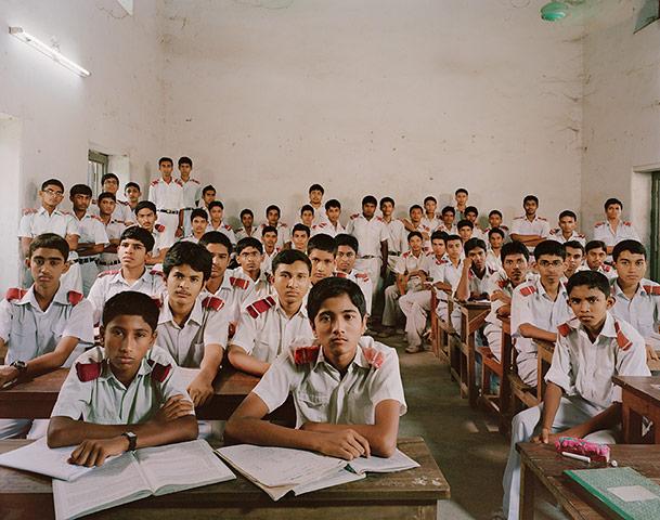 Parakseno.gr : School Jessore Zilla Scho 015 Σχολικές τάξεις από όλο τον κόσμο! (Φωτογραφικό Υλικό)