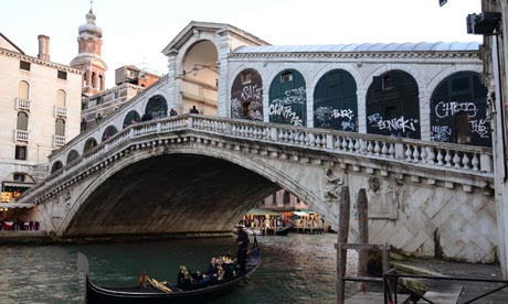 Rialto Bridge to carry advertising as Venice seeks cash for