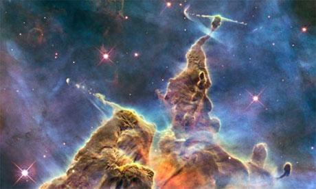 哈勃天文望远镜捕捉的船底座星云的图像,2010. 拍摄: Nasa, ESA,