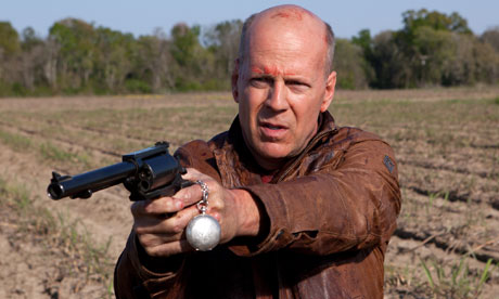 Bruce-Willis-in-Looper-008.jpg