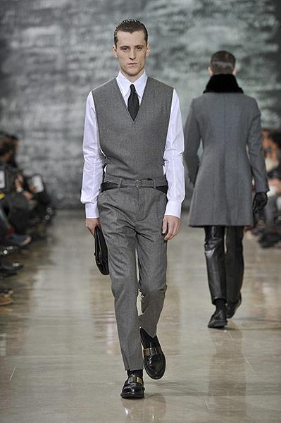Milan trends: Milan: man-clutching