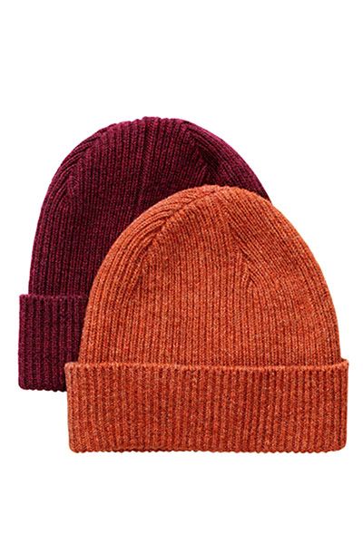 Fashion blogger Bip Ling: Orange and Maroon wollen hats