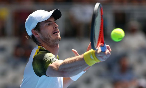 Andy Murray eases into the third round of the Australian Open