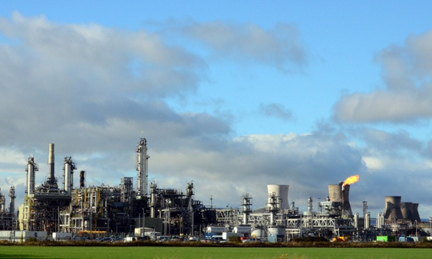 The Grangemouth petrochemical complex in shutdown mode with only a single flare burning where normally there are dozens.