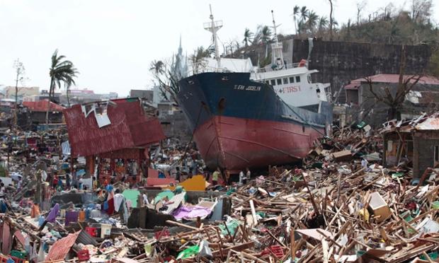 10,000 de victime in urma taifunului din Filipine