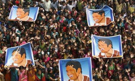 Adoring fans serenade Sachin Tendulkar's's parting shots