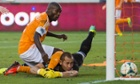 Houston Dynamo forward Omar Cummings scores a late equalizer vs New York Red Bulls