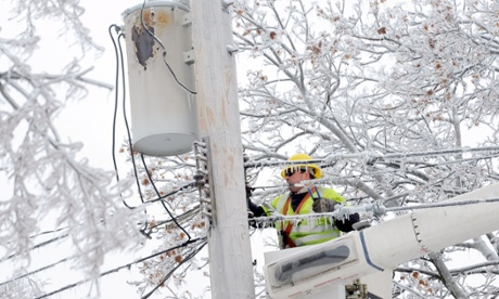 Half a million without power in US and Canada