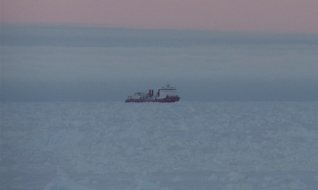 First sighting of Chinese icebreaker Xue Long from the Akademik Shokalskiy stranded in Antarctica